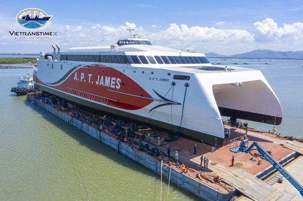 Vietranstimex tiếp nhận, vận chuyển và hạ thuỷ thành công một trong những mẫu tàu nhôm cao tốc hai thân lớn nhất thế giới
